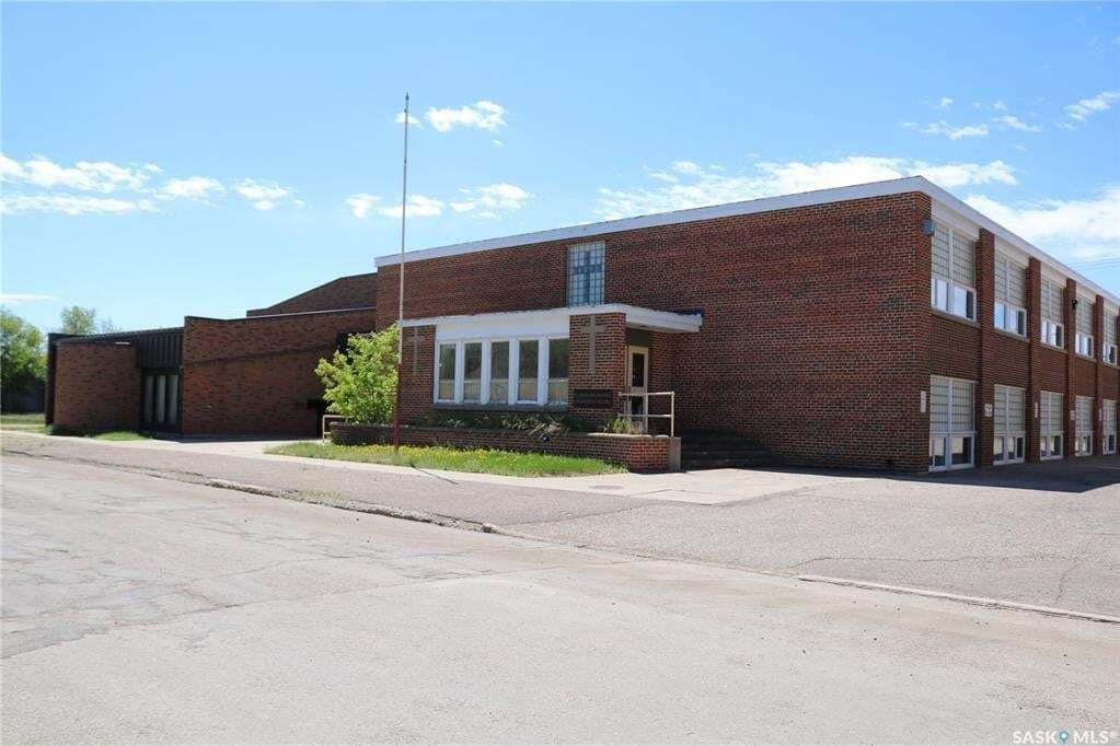 Residential property for sale at 1118 2nd St Estevan Saskatchewan - MLS: SK810645