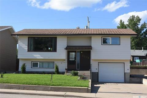 House for sale at 1118 Athabasca St W Moose Jaw Saskatchewan - MLS: SK775777