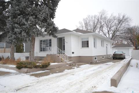 House for sale at 1119 4th Ave NW Moose Jaw Saskatchewan - MLS: SK798052