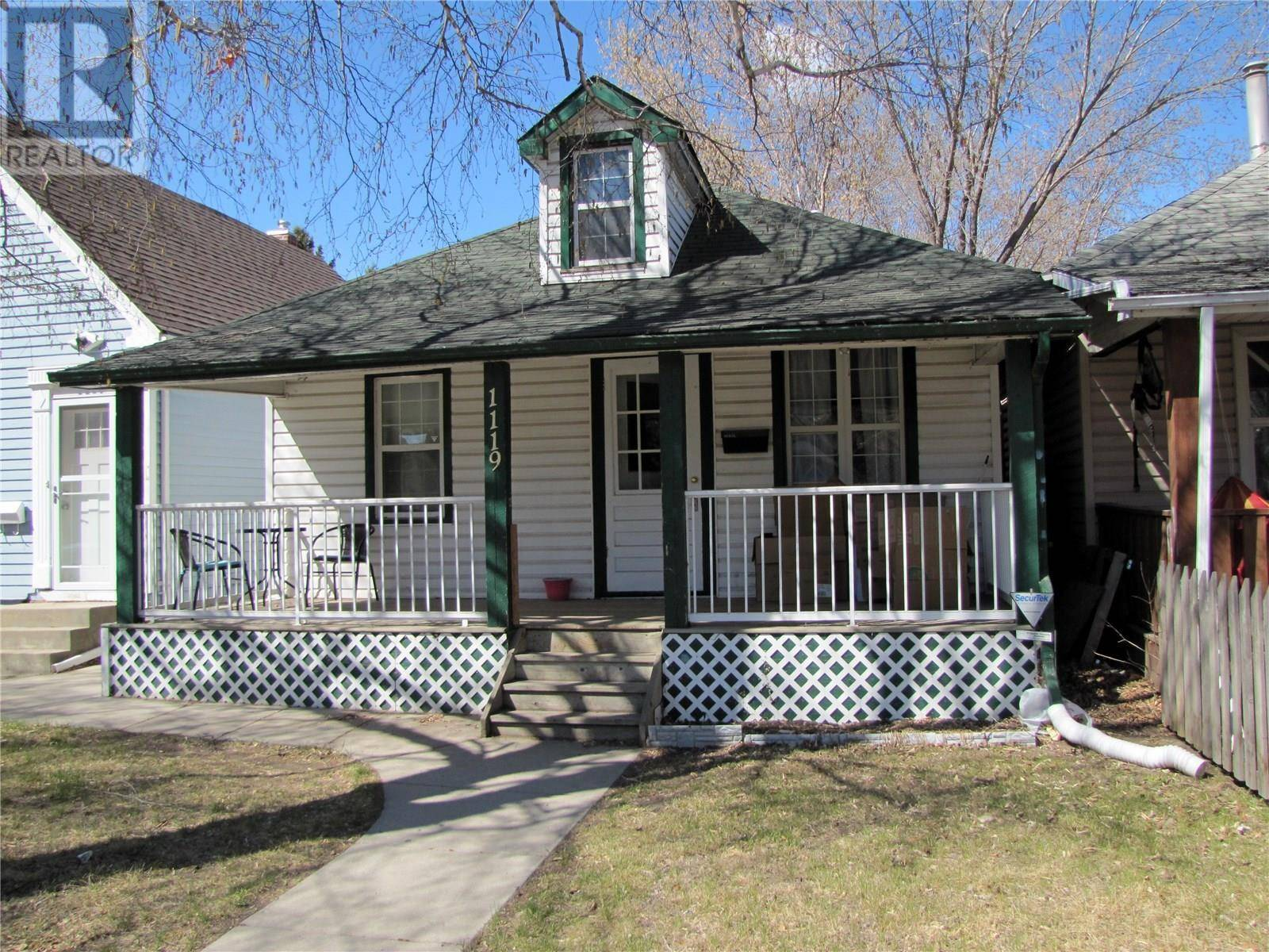 House for sale at 1119 H Ave N Saskatoon Saskatchewan - MLS: SK771016