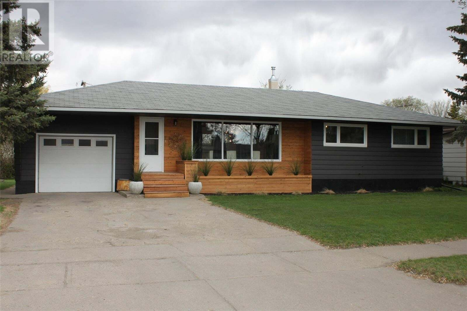 House for sale at 1119 Main St Canora Saskatchewan - MLS: SK809434