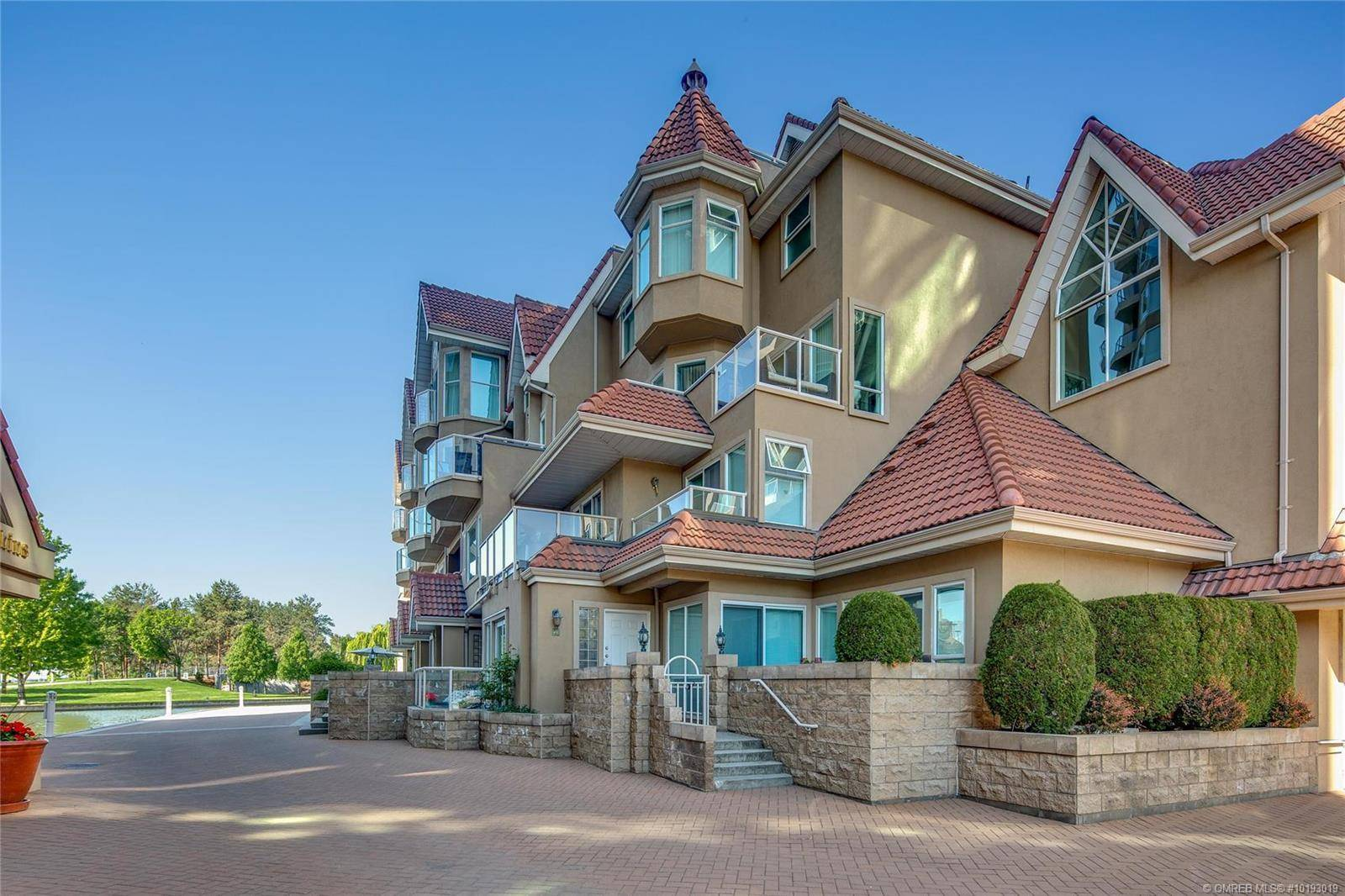 Townhouse for sale at 1156 Sunset Dr Unit 112 Kelowna British Columbia - MLS: 10193019