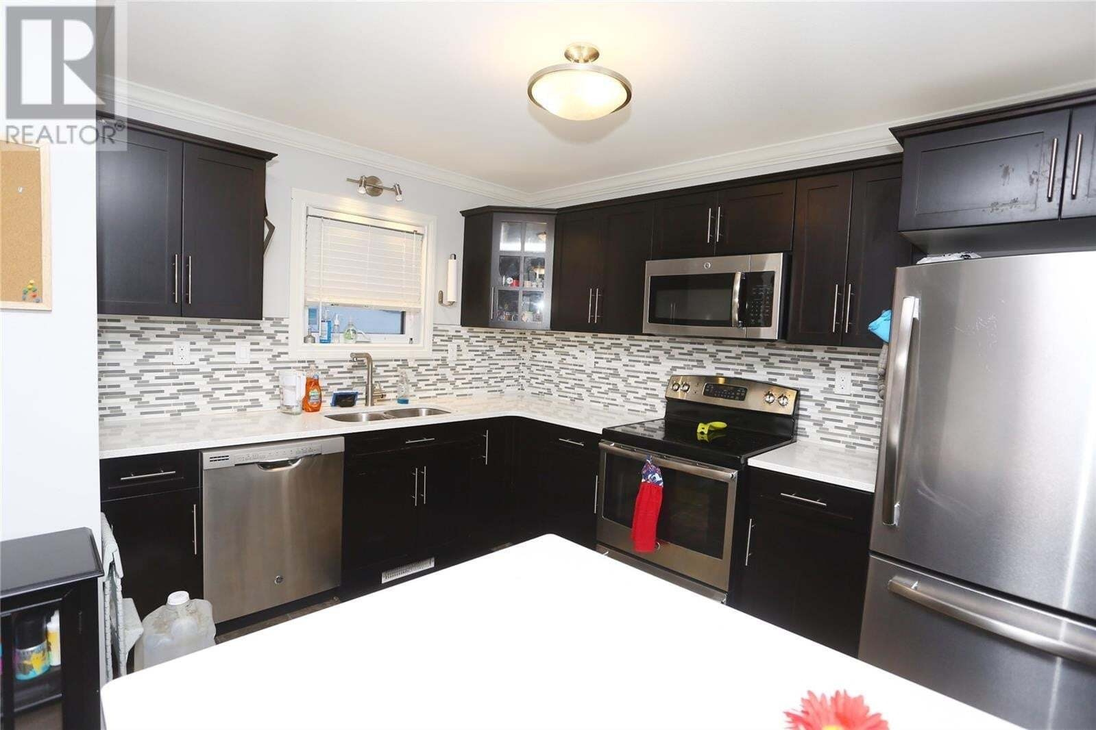 House for sale at 225 Hassard Cl Unit 112 Saskatoon Saskatchewan - MLS: SK808996