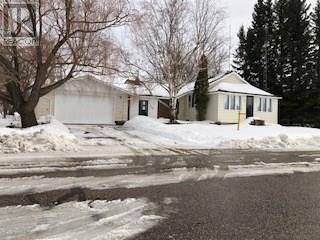 House for sale at 112 2nd Ave S St. Brieux Saskatchewan - MLS: SK804321