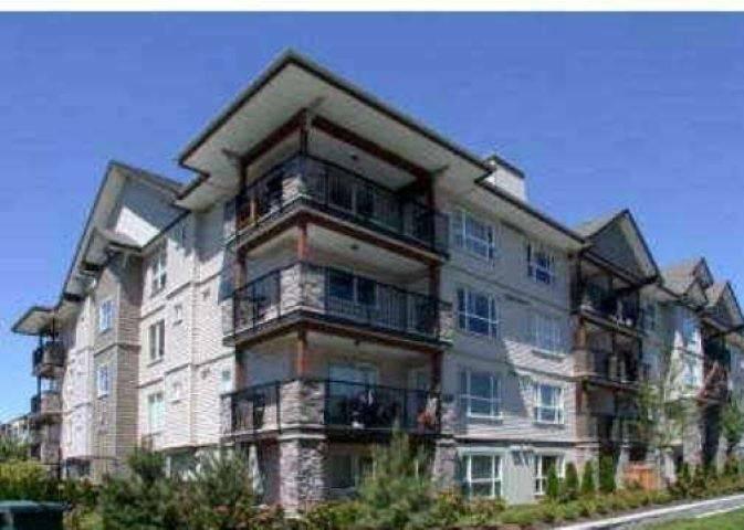 Buliding: 5465 203 Street, Langley, BC