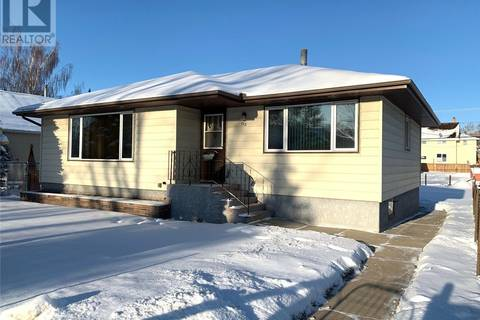 House for sale at 112 7th Ave W Melville Saskatchewan - MLS: SK770342