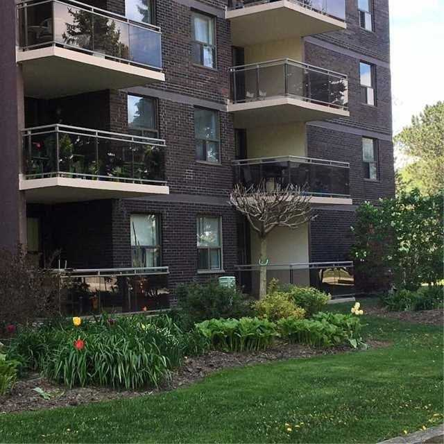 Sold: 112 - 966 Inverhouse Drive, Mississauga, ON