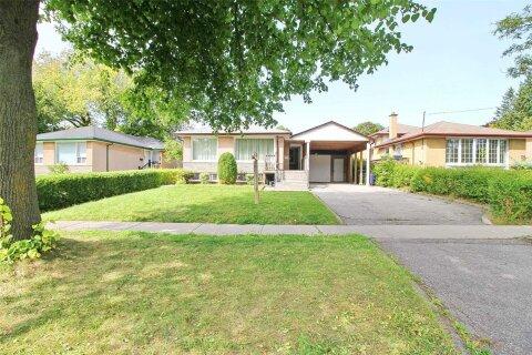 House for sale at 112 Brimorton Dr Toronto Ontario - MLS: E4996332
