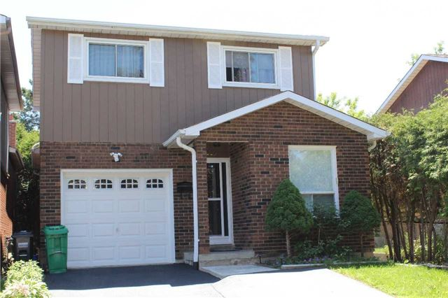For Sale: 112 Elderwood Place, Brampton, ON | 3 Bed, 2 Bath House for $589,000. See 8 photos!