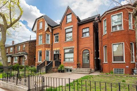 Townhouse for sale at 112 Givins St Toronto Ontario - MLS: C4755401