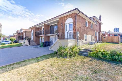 Townhouse for sale at 112 Hickorynut Dr Toronto Ontario - MLS: C4555112