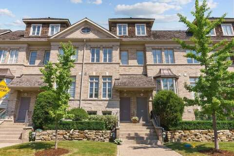 Townhouse for sale at 112 Six Point Rd Toronto Ontario - MLS: W4816012