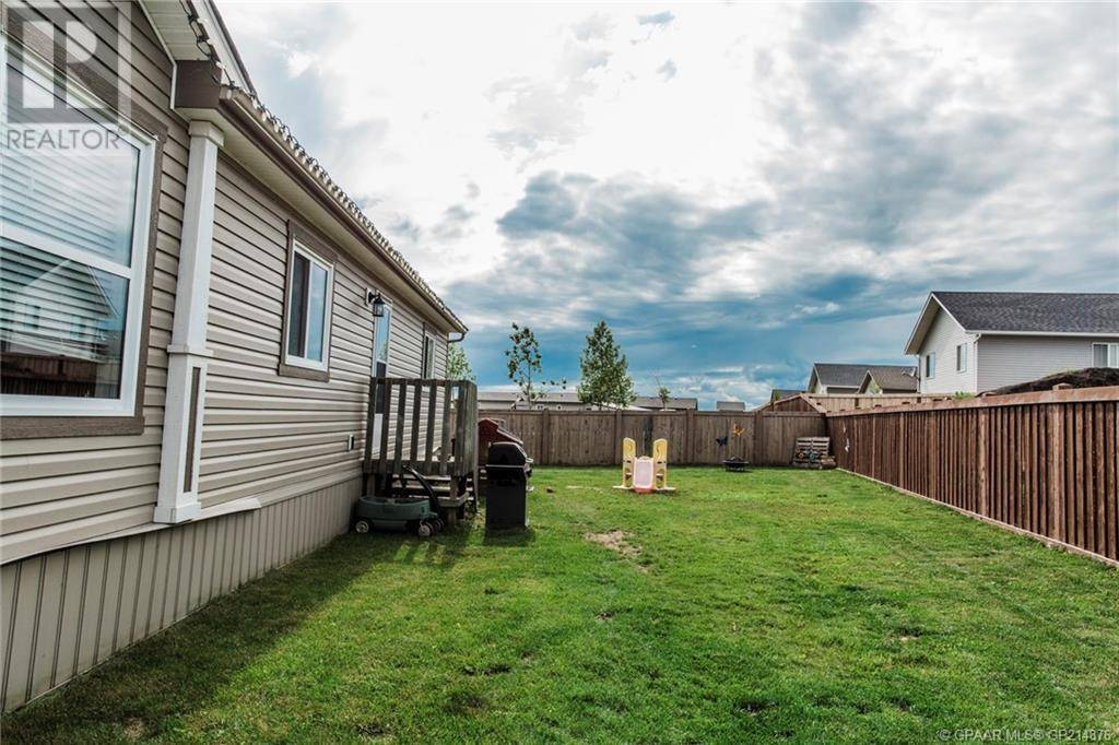 House for sale at 11210 96 Street Crescent Clairmont Alberta - MLS: GP214876