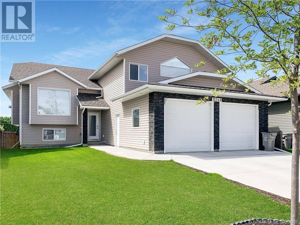 House for sale at 11249 59 Ave Grande Prairie Alberta - MLS: GP208255
