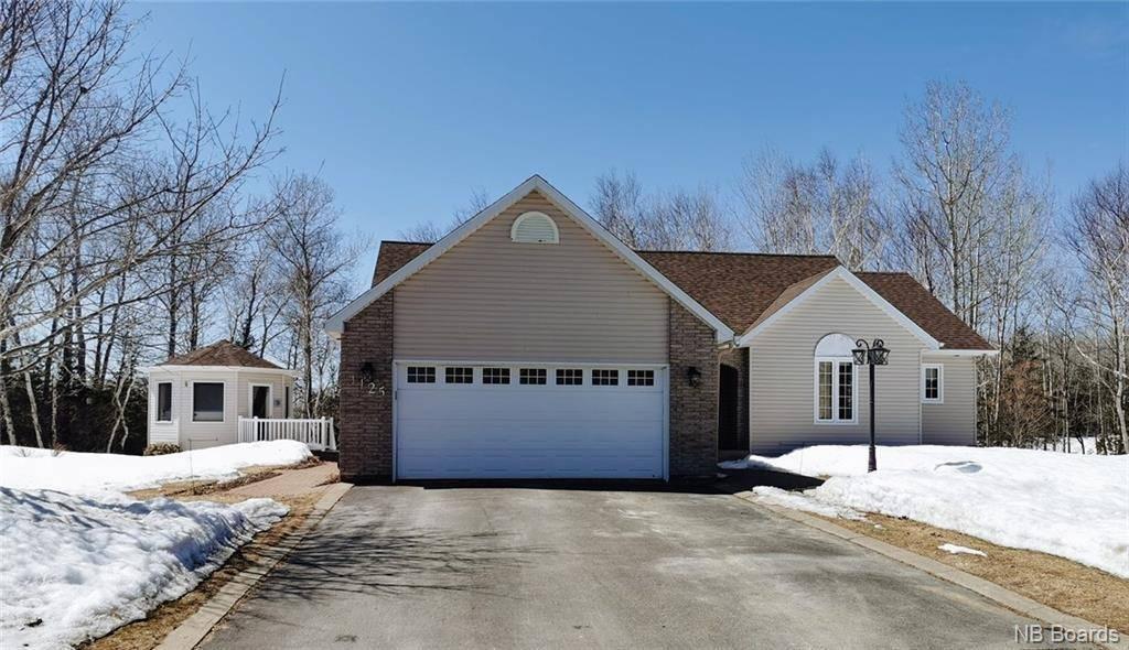 House for sale at 1125 Birchwood  Bathurst New Brunswick - MLS: NB042669