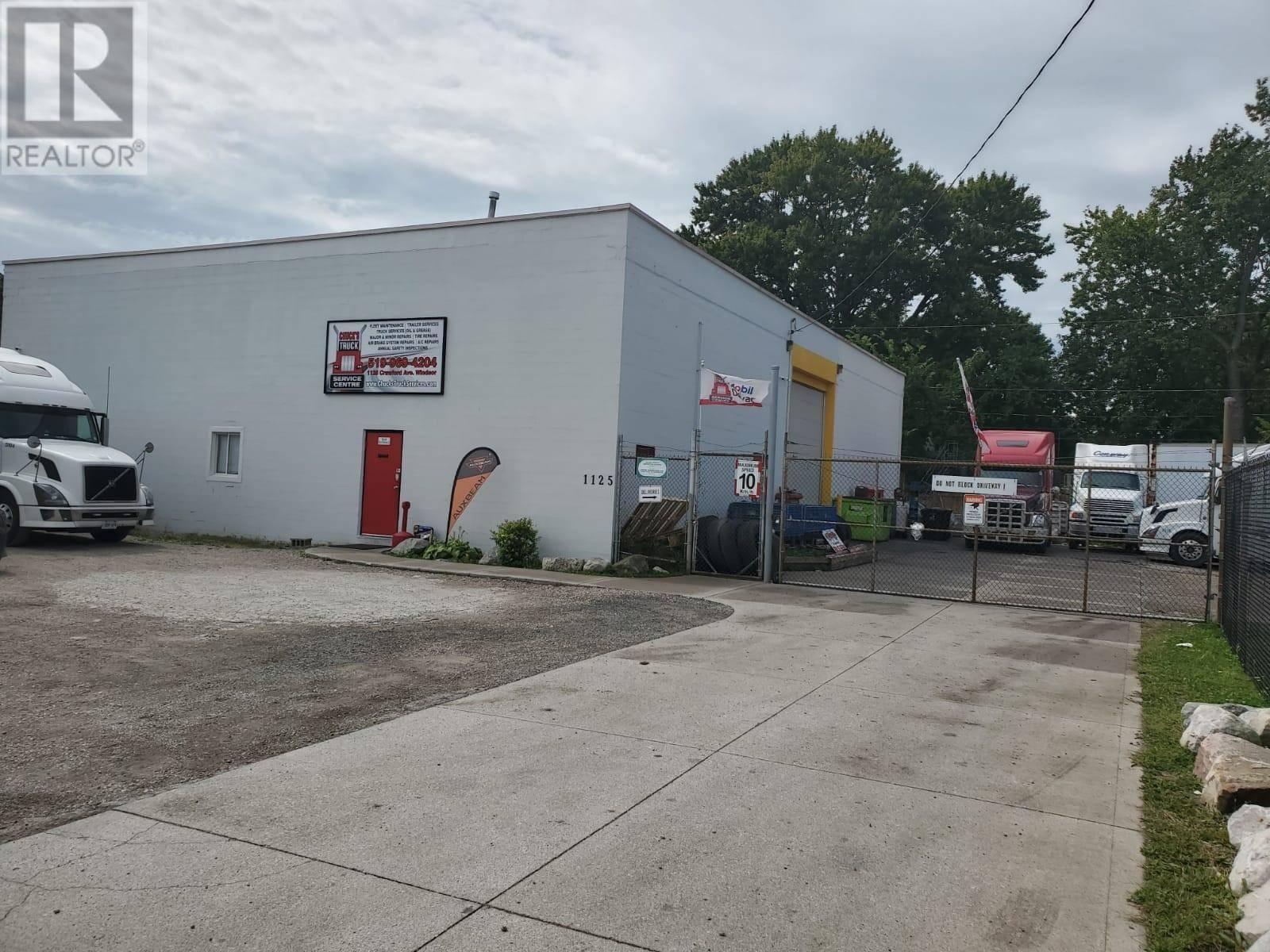 1125 Crawford Avenue, Windsor | Image 1