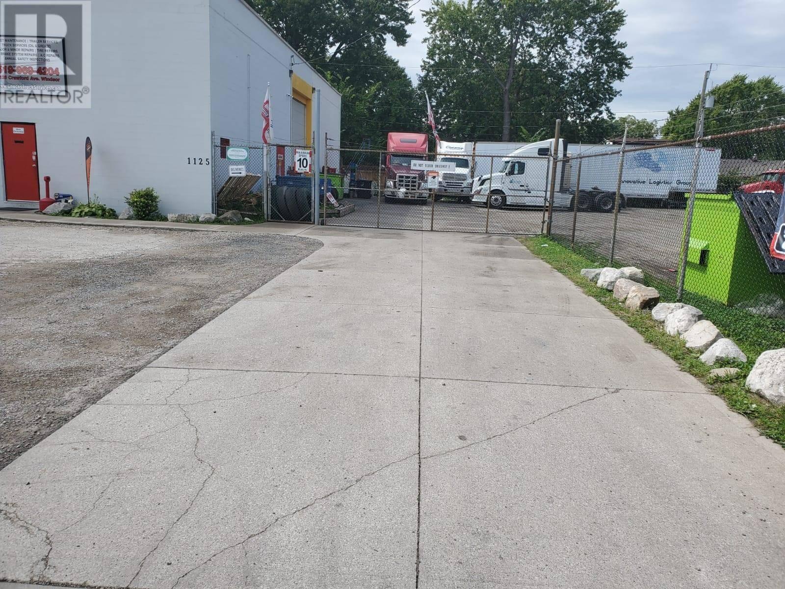 1125 Crawford Avenue, Windsor | Image 2