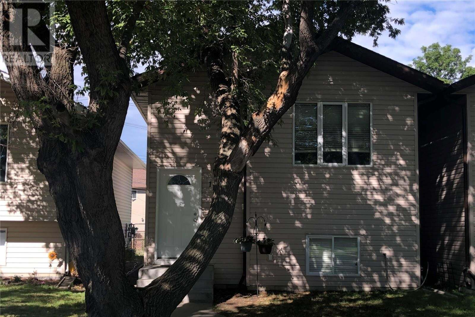 House for sale at 1125 I Ave N Saskatoon Saskatchewan - MLS: SK821880