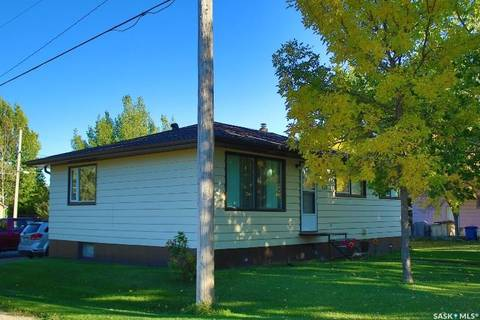House for sale at 113 2nd St W Lafleche Saskatchewan - MLS: SK790799