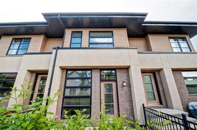 Sold: 113 Aspen Hills Villas Southwest, Calgary, AB