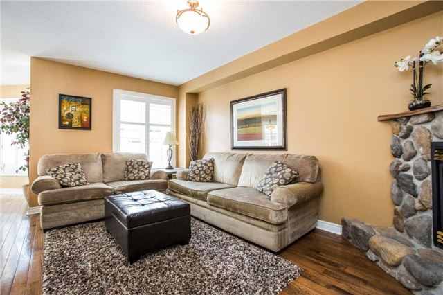 113 Crompton Drive Barrie For Sale 619900
