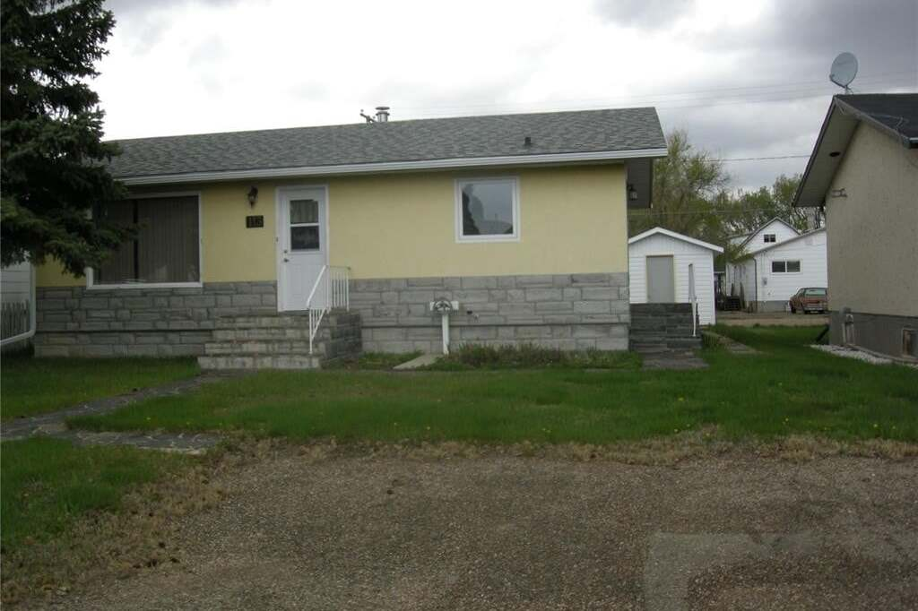 House for sale at 113 Griffin St Maple Creek Saskatchewan - MLS: SK808503
