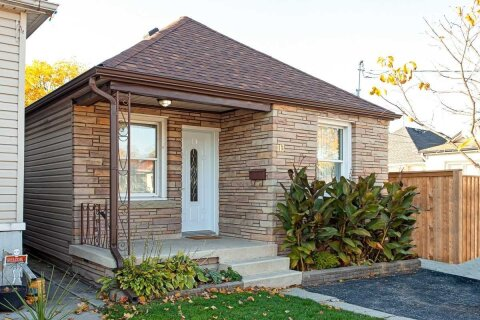 House for sale at 113 Houghton Ave Hamilton Ontario - MLS: X4972109