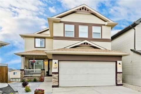 House for sale at 113 Pantego Te NW Calgary Alberta - MLS: C4301945