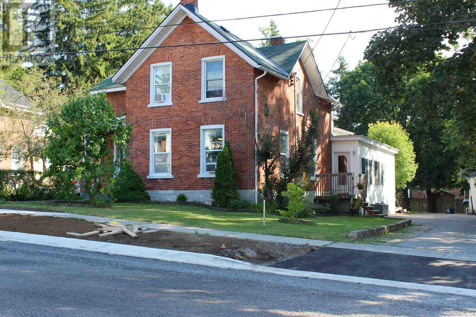 House for sale at 113 Robinson St Napanee Ontario - MLS: K19006964