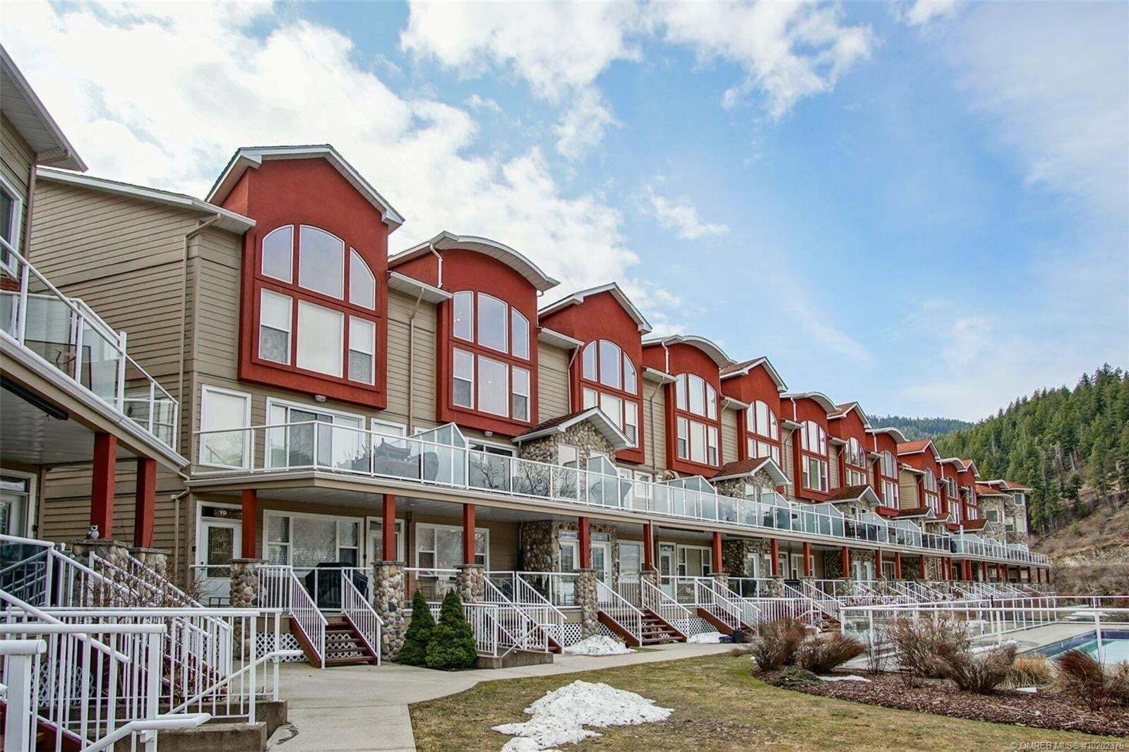 Townhouse for sale at 1130 Riverside Ave Sicamous British Columbia - MLS: 10202376