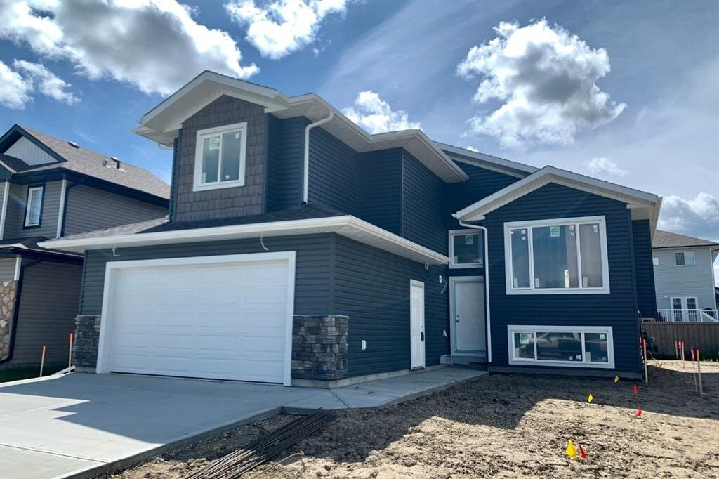 House for sale at 11305 Tamarack Dr Grande Prairie Alberta - MLS: A1001603