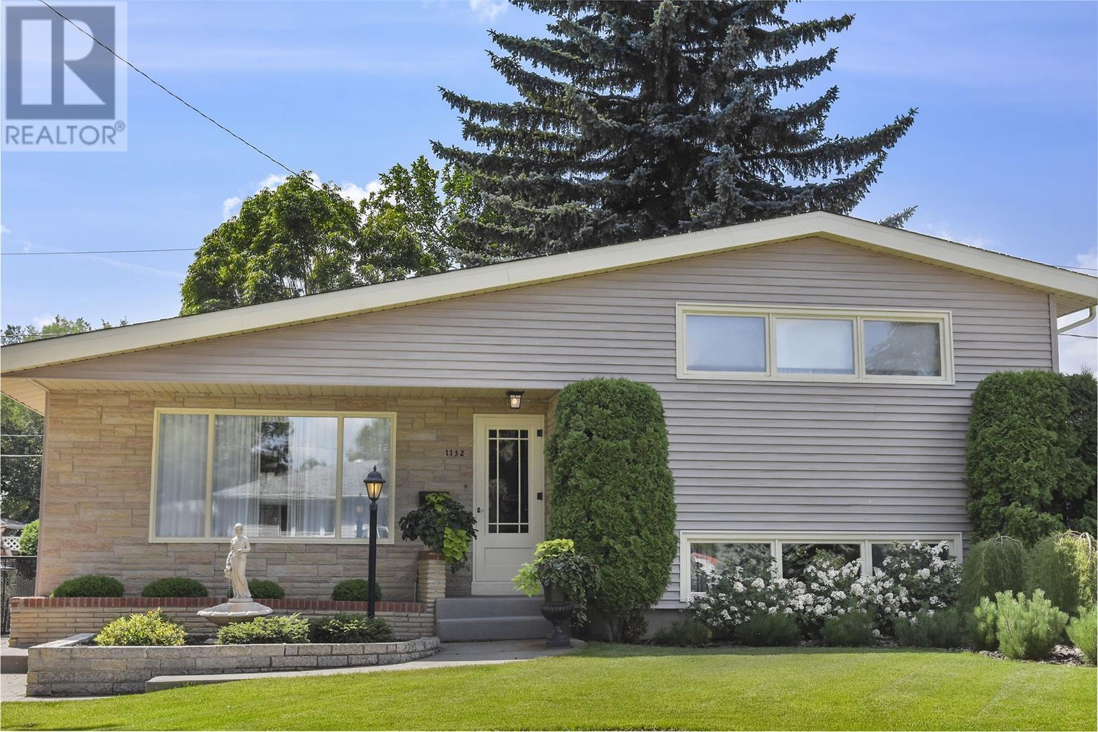Removed: 1132 13th Avenue, Moose Jaw, SK - Removed on 2020-06-12 23:24:42