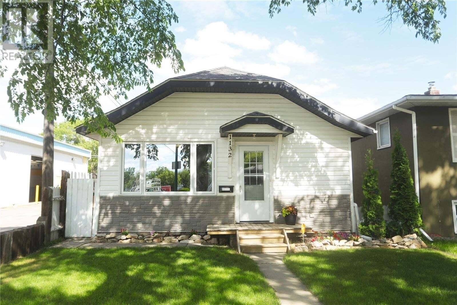 House for sale at 1132 D Ave N Saskatoon Saskatchewan - MLS: SK813869