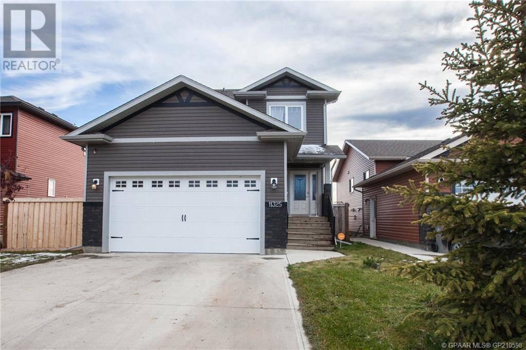 House for sale at 11325 106a Ave Grande Prairie Alberta - MLS: GP210598