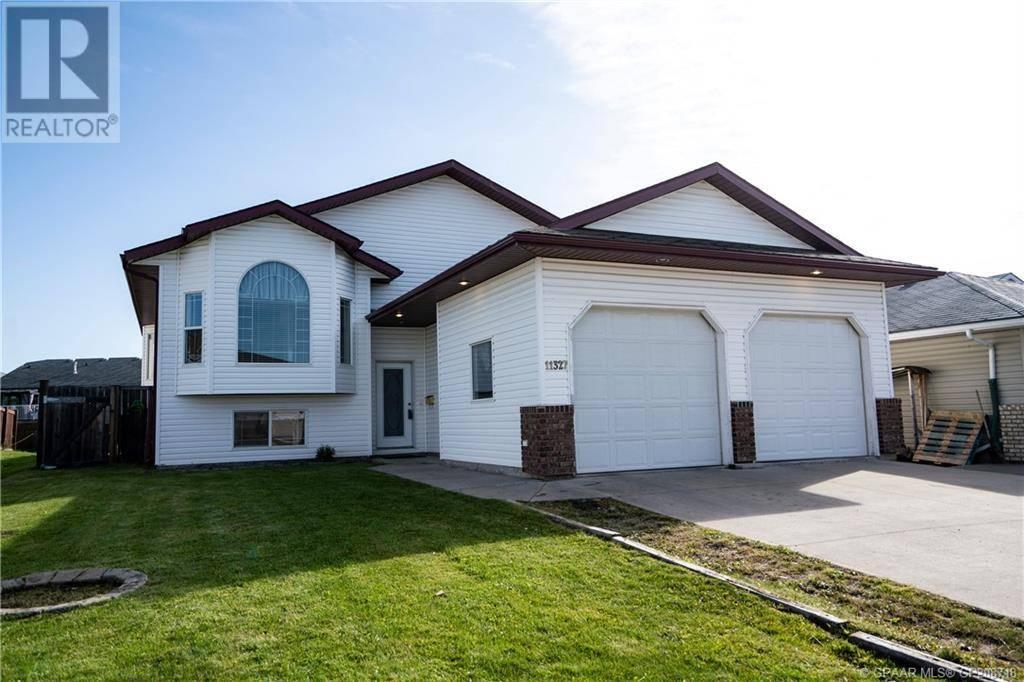 House for sale at 11327 90 St Grande Prairie Alberta - MLS: GP208718