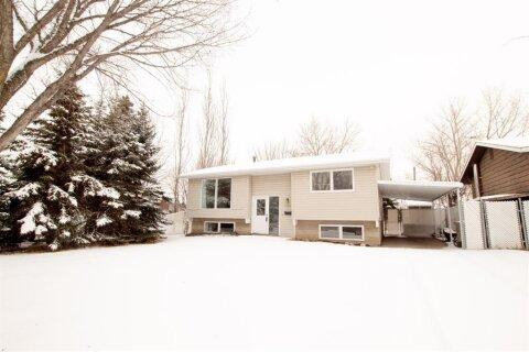 House for sale at 11329 101 A St Grande Prairie Alberta - MLS: A1035960