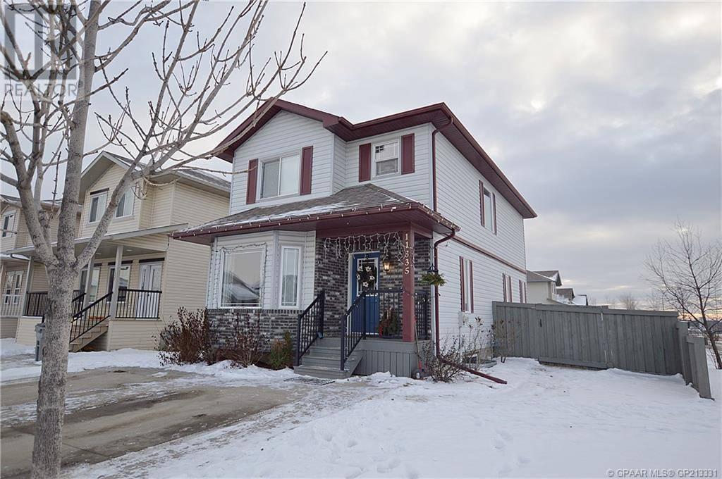 House for sale at 11335 Pinnacle Dr Grande Prairie Alberta - MLS: GP213331