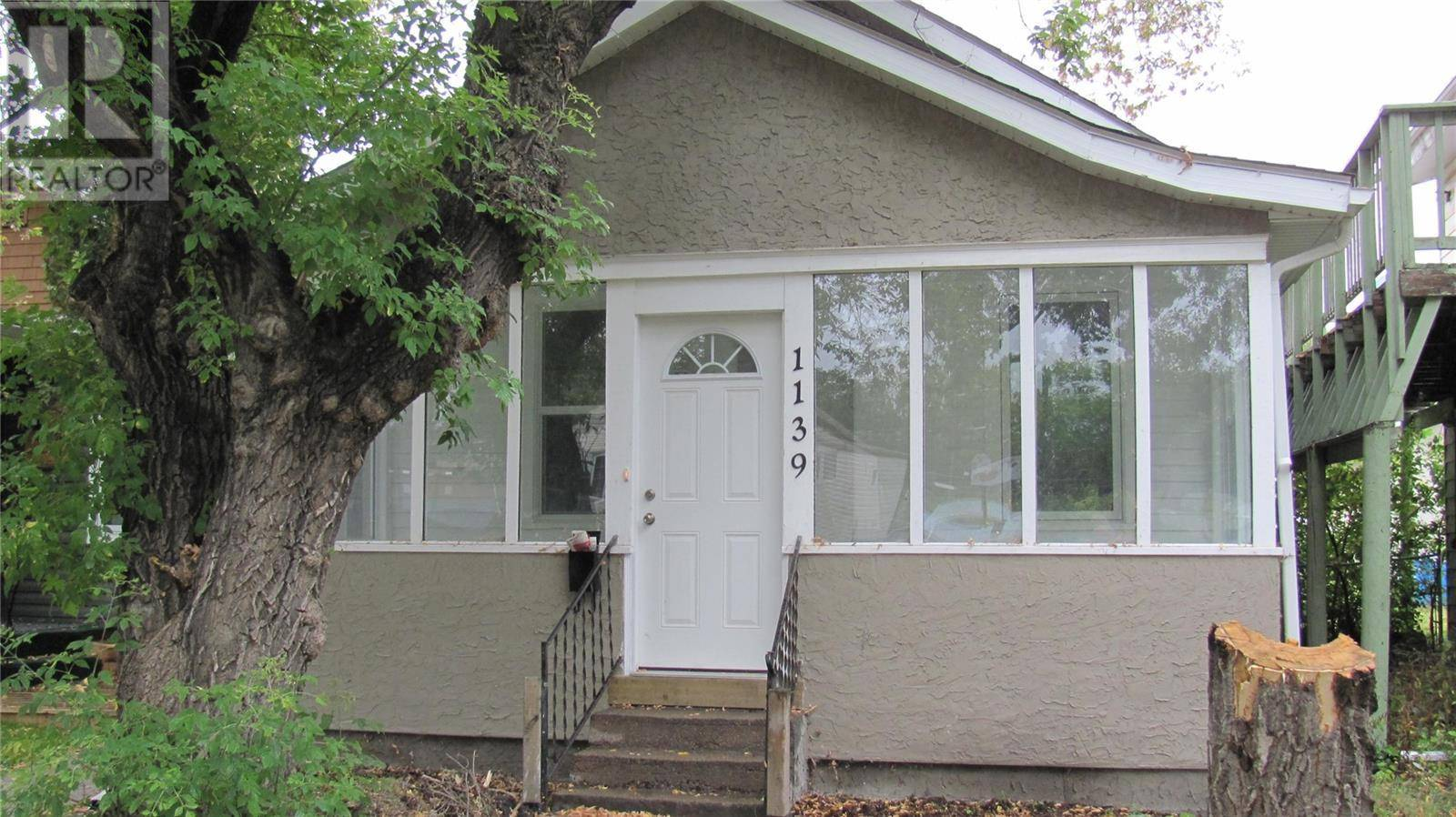 House for sale at 1139 I Ave S Saskatoon Saskatchewan - MLS: SK786214