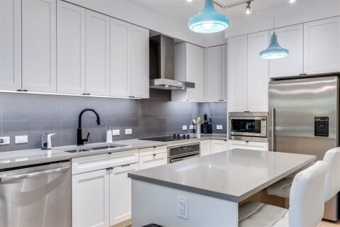 Condo for sale at 3205 Mountain Hy Unit 114 North Vancouver British Columbia - MLS: R2519638