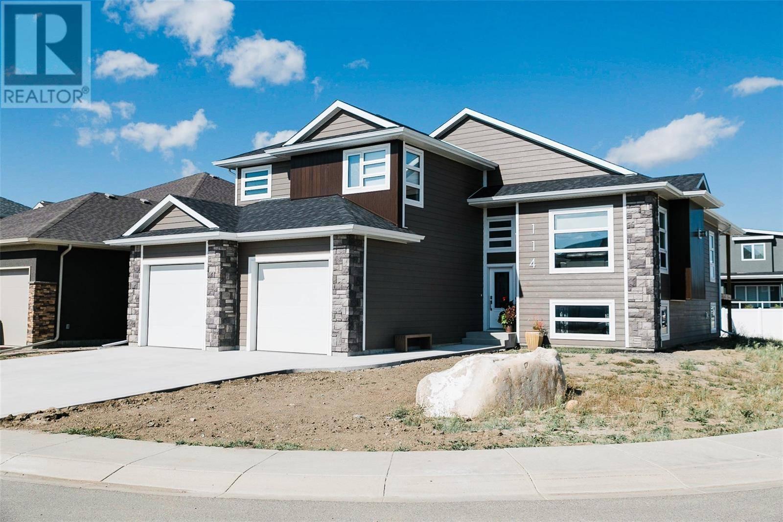 House for sale at 114 Arscott Cres Saskatoon Saskatchewan - MLS: SK792530