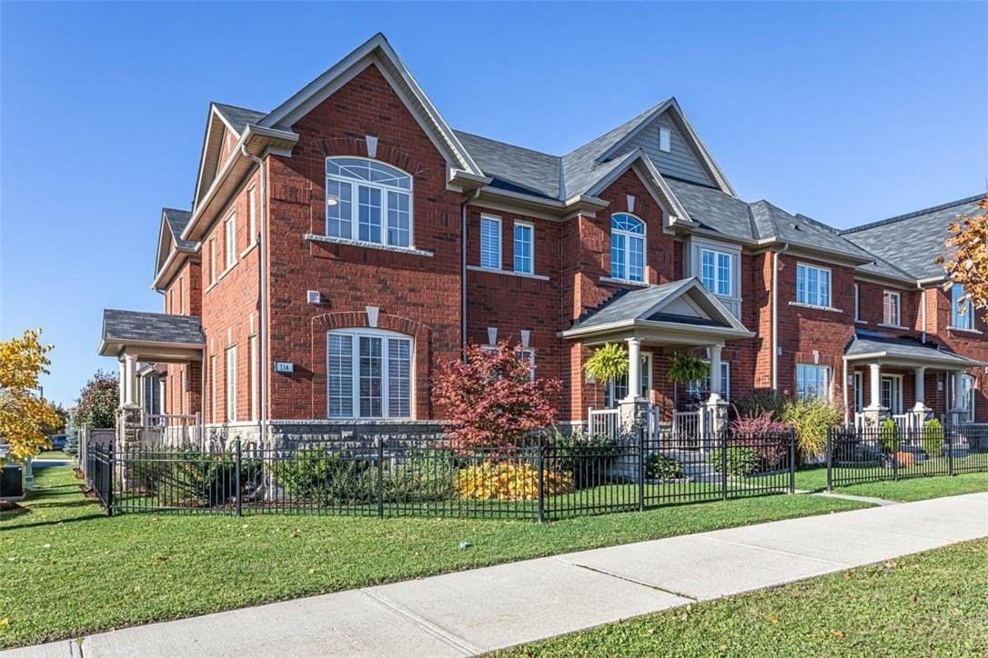 Townhouse for sale at 114 Burke St Waterdown Ontario - MLS: H4091212