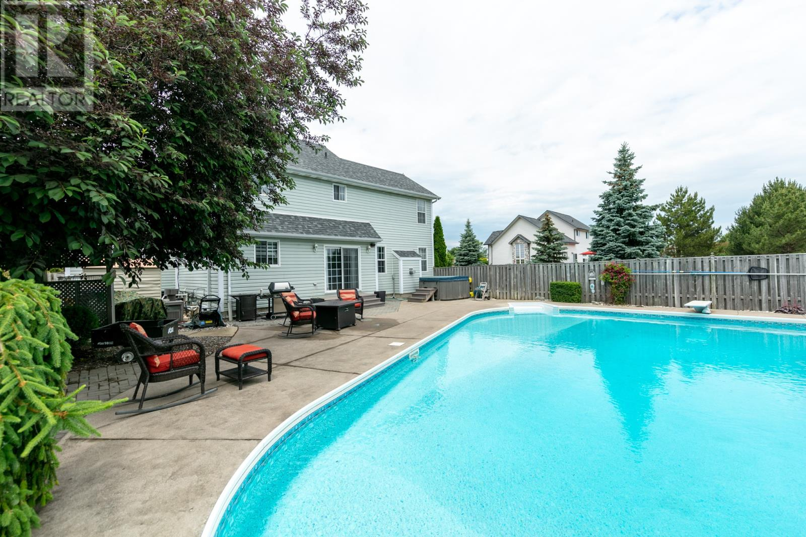 For Sale: 114 Duck Creek Boulevard, Belle River, ON | 4 Bed, 4 Bath House for $399,000. See 25 photos!
