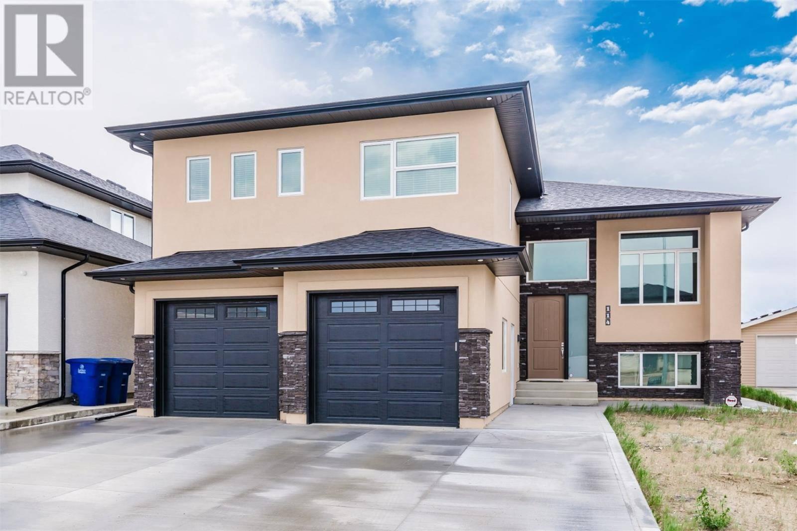 House for sale at 114 Gillies Ln Saskatoon Saskatchewan - MLS: SK776383