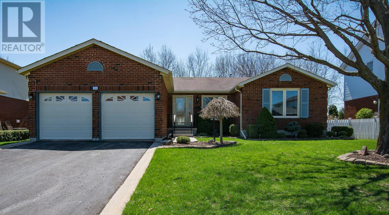 For Sale: 114 Greenlees Drive, Kingston, ON | 4 Bed, 2 Bath House for $429,900. See 21 photos!