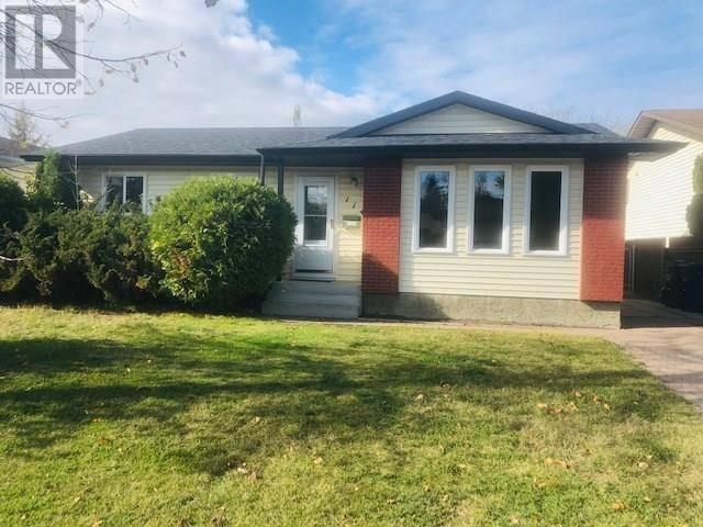 House for sale at 114 Kellins Cres Saskatoon Saskatchewan - MLS: SK791170