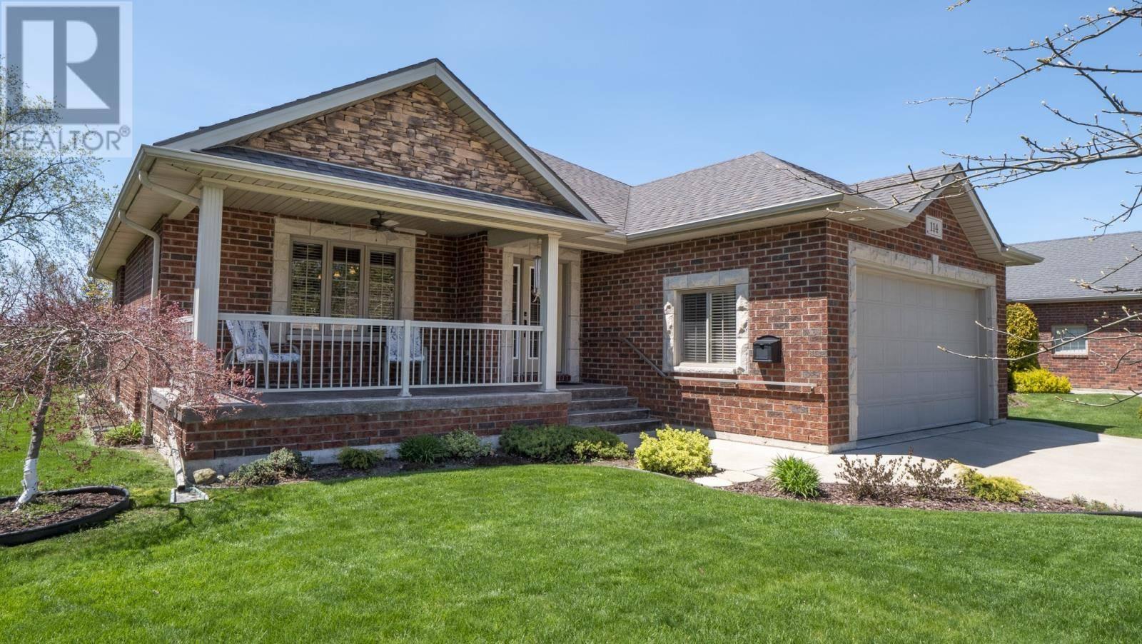 House for sale at 114 Prince Albert Street North  Kingsville Ontario - MLS: 20005028