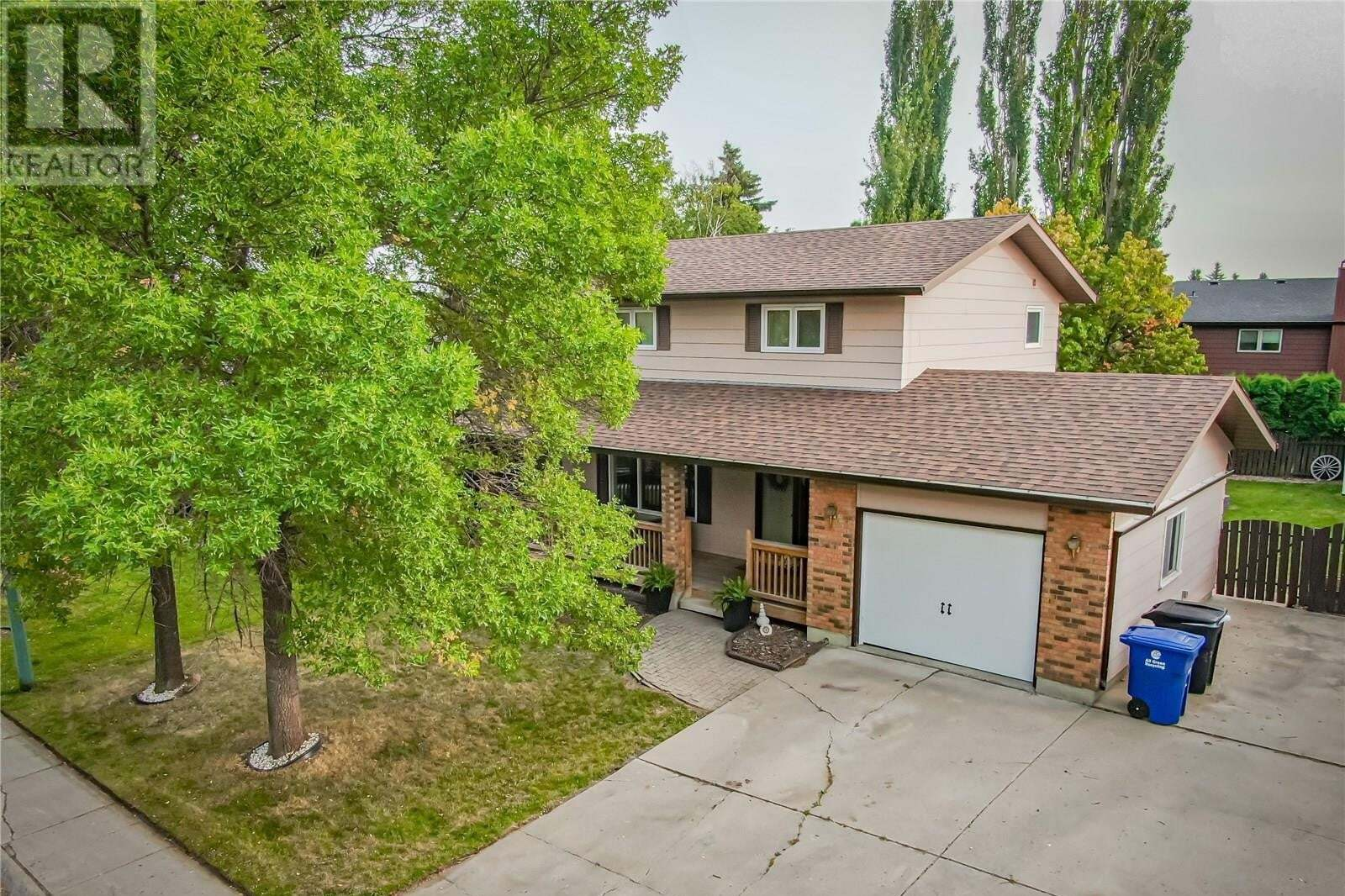 House for sale at 114 Stillwater Dr Saskatoon Saskatchewan - MLS: SK826945