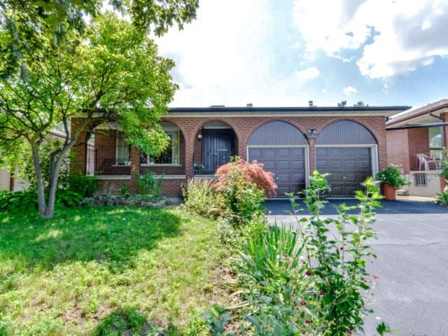For Sale: 114 Tandridge Crescent, Toronto, ON | 3 Bed, 2 Bath House for $899,900. See 20 photos!