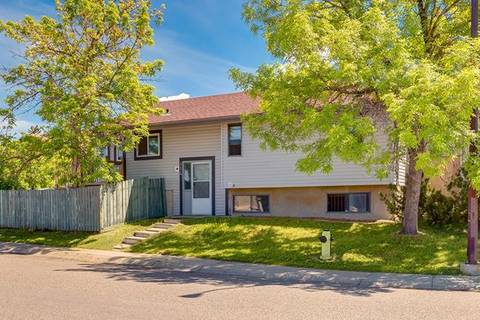 House for sale at 114 Templegreen Rd Northeast Calgary Alberta - MLS: C4253491