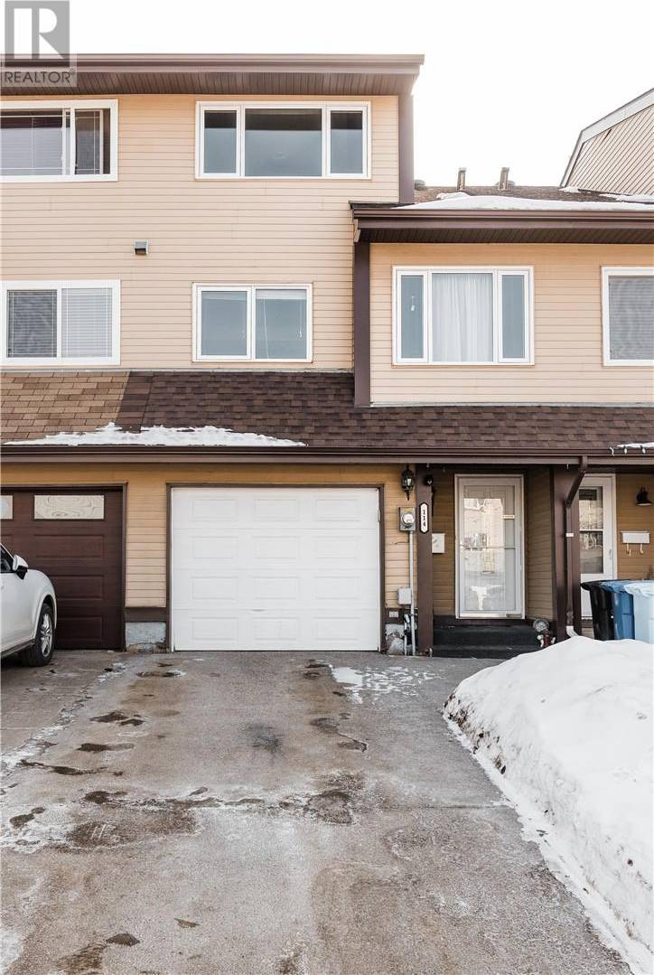 Townhouse for sale at 114 Wylie Pl Fort Mcmurray Alberta - MLS: fm0191139